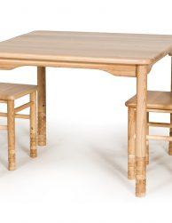 Bernudārza galdi